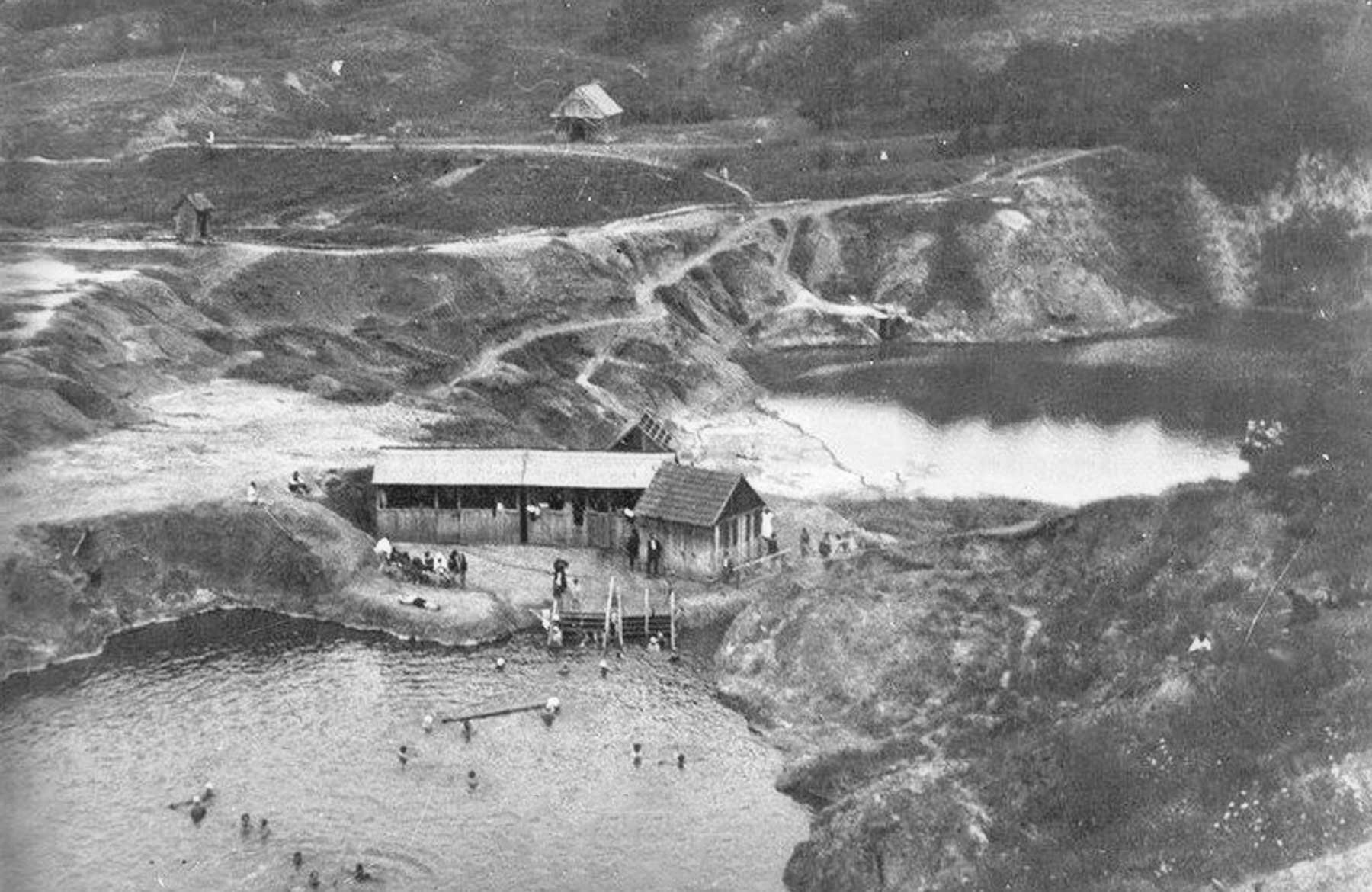 Durgău_ lacurile nr.1 (lacul Carolina) şi nr.2 (lacul Durgău), în perioada interbelică_